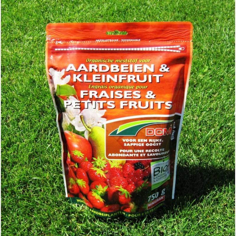 DCM növénytáp eper és egyéb gyümölcsökhöz (0,75 kg)