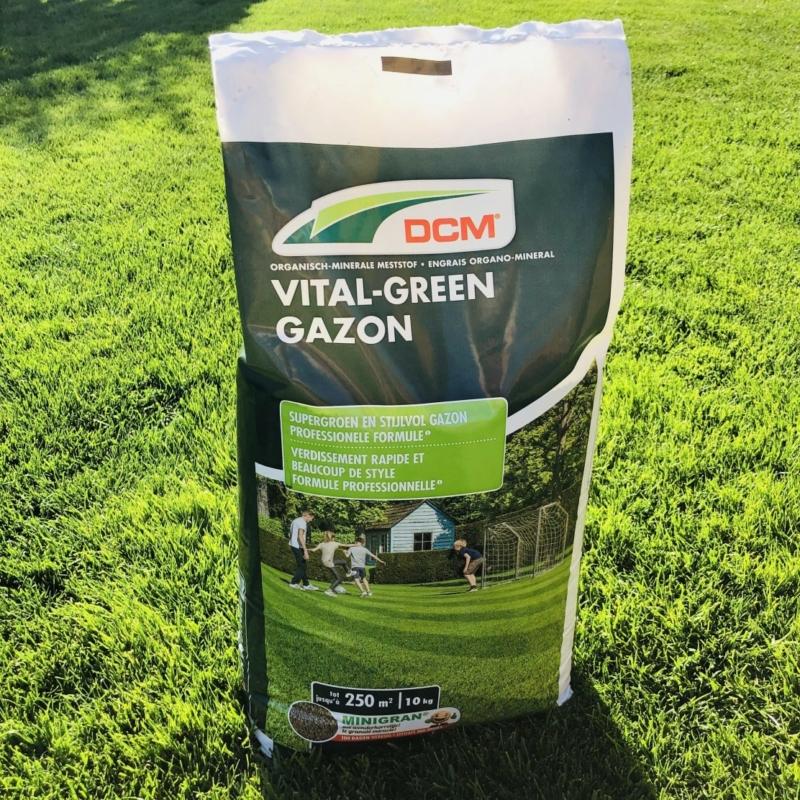 DCM VITAL GREEN szerves gyeptáp (10 kg)